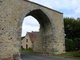 Une des portes du village.